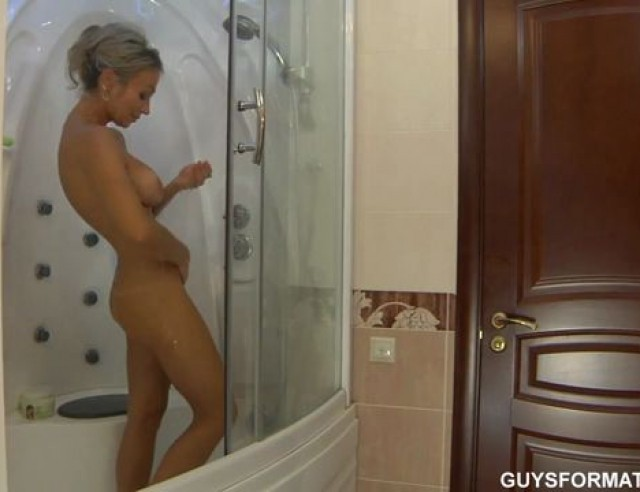 Spying on milf in shower