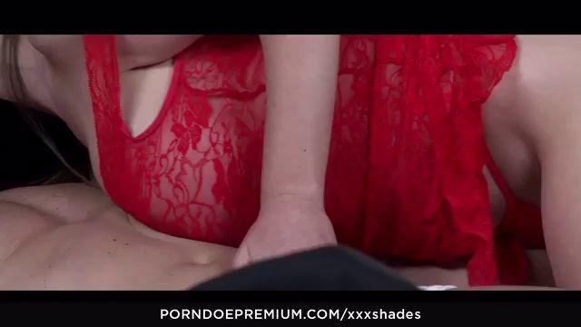 Sexy Hungarian Girl Enjoys Passionate Morning Bang