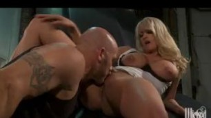Big Tit Lady Milf Stormy Daniels Fucked On The Hood Of Her Car