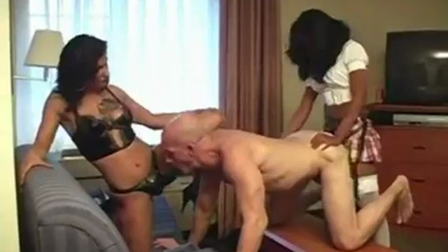 Experienced Strapon Mistress teaches how to fuck a black woman ...
